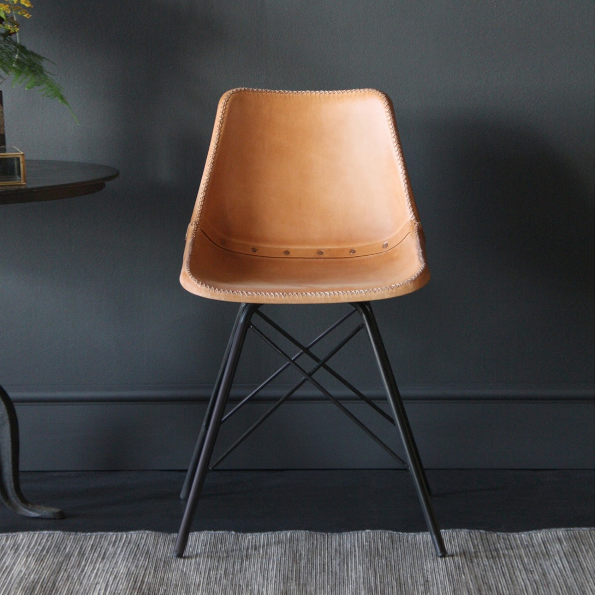 Road House Chair With Cross Legs, Honey Seat