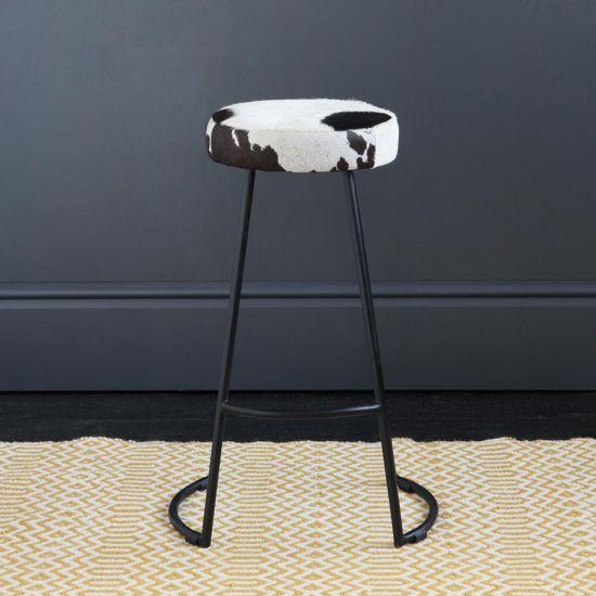 TAPAS INDUSTRIAL BAR STOOL BLACK & WHITE SEAT 67 CM BLACK BASE