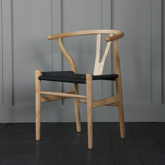 Hans Wegner Style Wishbone Chair  Natural Ash / Black Seat