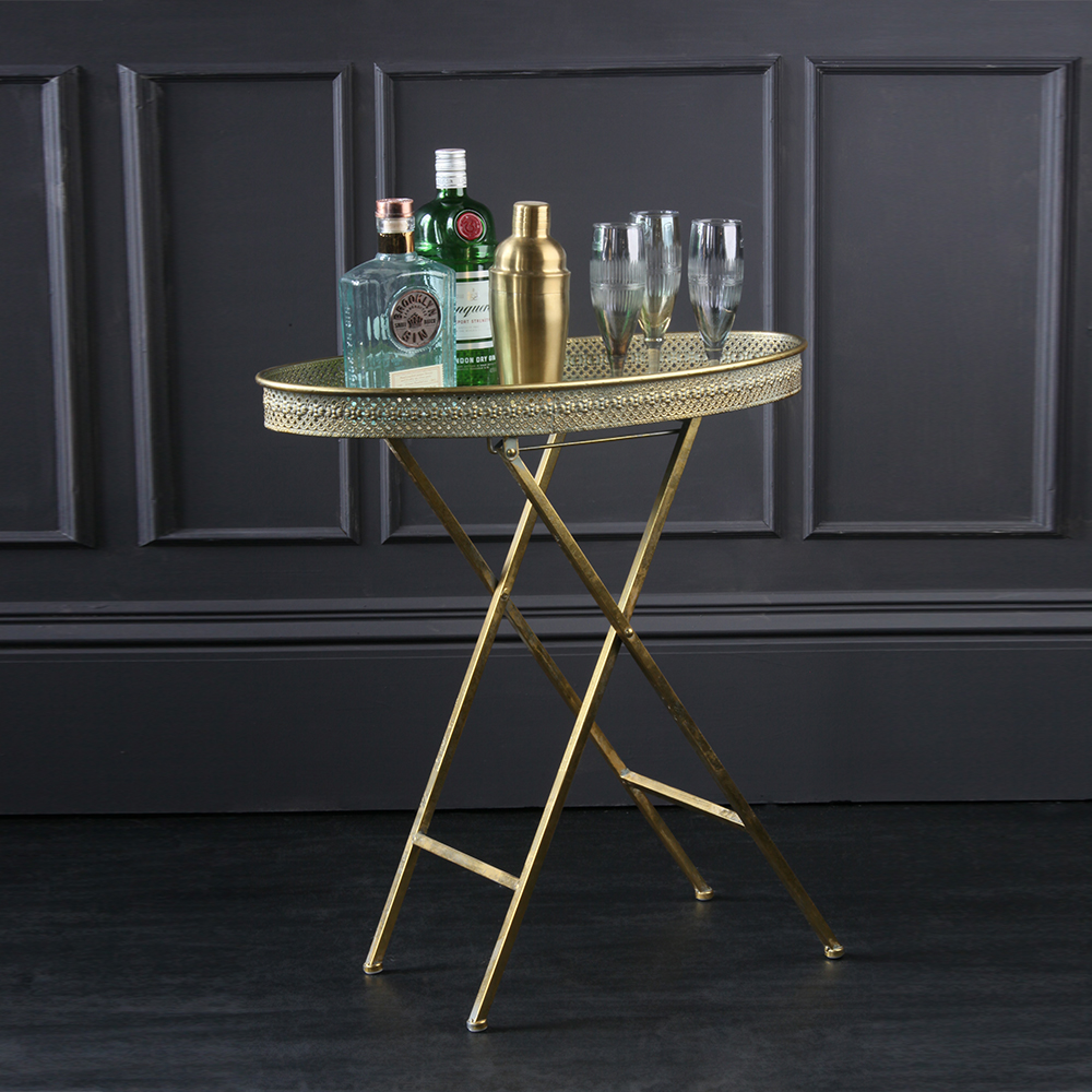 For a Grand-Millennial look like no other, our Benedict Oval Tray Table ticks every box going.