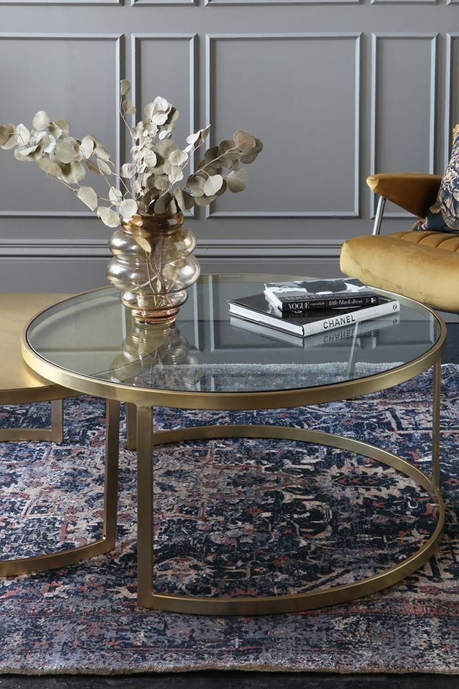 Try to integrate your chosen rug in with other furniture.