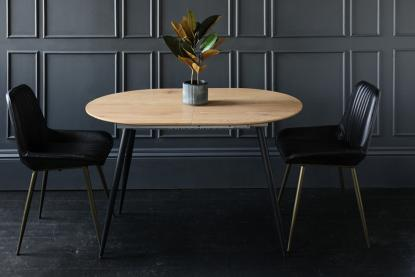 Dining Delights! Which Dining Table Best Suits Your Xmas Party Scene?