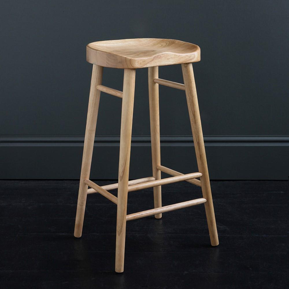 5 Reasons Why Shaker Bar Stools Transform Your Living Space