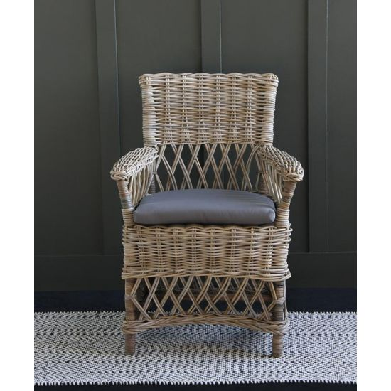 Rattan Arm Accent Chair with High Back Decorative Hand Made 50 cm Seat Height