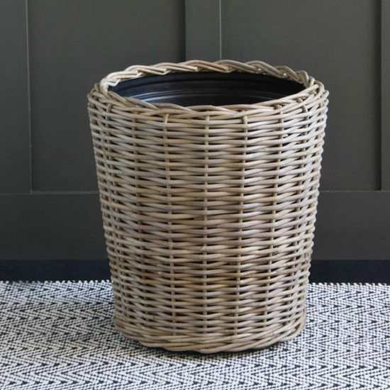 RATTAN LARGE PLANTER WITH PLASTIC LINER