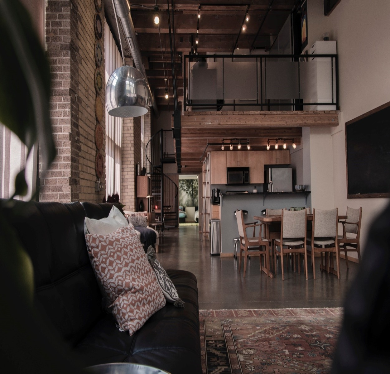 Step-by-Step Guide to Creating a Conversation Starter Mezzanine Area